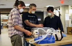 جهاز تنفس بسيط مصمم بأكياس الإنعاش المتاحة فى المستشفيات
