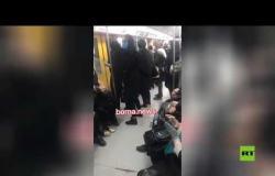 ازدحام في عربة للسيدات بقطار الأنفاق في طهران