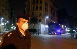 """مصر تقرر تمديد حظر التجول لأسبوعين إضافيين بسبب """"كورونا"""""""