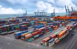 الموانئ السعودية: تناول 21 مليون طن بضائع خلال مارس