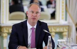 روسيا والسعودية تتفقان على المضي قدما في استقرار سوق النفط