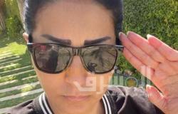 وفاء عامر تقدم التحية العسكرية لشهداء بئر العبد