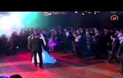 """الزعيم عادل إمام يرقص مع منى زكي """"سلو"""" في فرحها في مشهد كوميدي"""