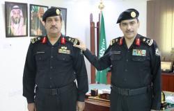 """مدير """"دوريات الأمن"""" يقلِّد """"الدويش"""" رتبته الجديدة"""