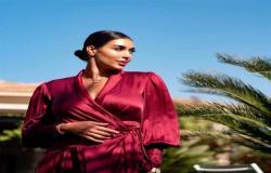 ياسمين صبري تخطف الأنظار بإطلالة جذابة بالأحمر