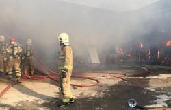 إيران: حرائق غامضة في مدينة صناعية ومركب تجاري (صور)