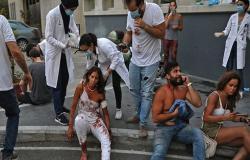 مشاهد مروعة من مستشفى لبناني للعشرات من جرحى انفجار بيروت .. بالفيديو