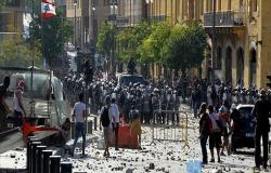 لبنان.. الأمن يطلق قنابل غاز على محتجين وسط بيروت .. بالفيديو