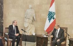 وزير الخارجية ينقل تعازي الملك بضحايا الانفجار في بيروت