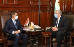 وزير الزراعة يكرم الممثل الإقليمي للفاو بمناسبة انتهاء عمله بالمنطقة