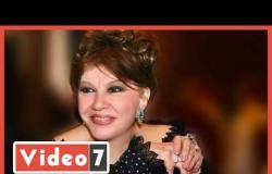 صاحبة واجب.. شويكار في أخر ظهور لها من جنازة والدة ميرفت أمين