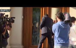 فيديو.. متظاهرون يرشقون مسؤولين ومبنى برلمان بالبيض في بلغاريا