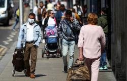 بريطانيا تعيد فرض عزل المسافرين على 3 دول.. وفرنسا ترد بإجراء مضاد