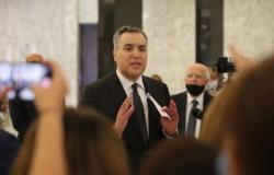 """""""لا نملك ترف إهدار الوقت"""".. """"أديب"""" يطالب السياسيين اللبنانيين بتسهيل تشكيل الحكومة"""