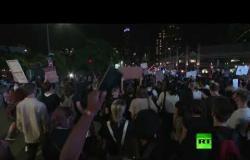 مظاهرة حاشدة في نيويورك يطالب مشاركوها بسجن شرطيين قتلا الأمريكية السمراء بريونا تيلور
