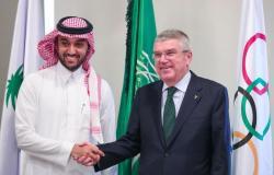 رئيس اللجنة الأولمبية الدولية يشكر وزير الرياضة على نجاح منتدى اللاعبين الدولي