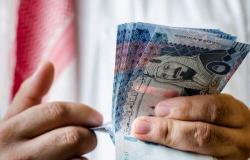 """""""مواطن"""" يخطئ بتحويل 70 ألف ريال.. والقضاء يستعيدها بعد إنكار مستقبِل الحوالة"""