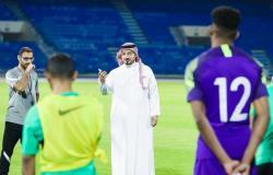 رئيس اتحاد القدم يشيد بالانضباطية والروح العاليتَيْن في معسكر الأخضر الأولمبي
