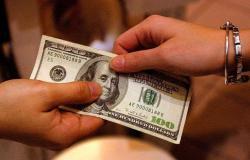 """كم يعيش """"كورونا"""" على النقود؟.. علماء يتوقعون سرعة انتشاره في الشهور القادمة"""