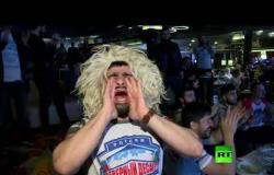 مشجعو حبيب في موسكو يتابعون نزاله مع الأمريكي غايتجي يحتفلون بفوزه