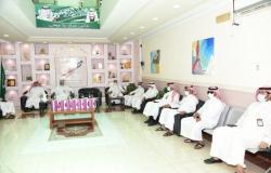"""""""خيرية نخلة"""" تقدِّم 40 جهازًا لوحيًّا للطلاب المحتاجين في قرى وهجر شرق مكة"""