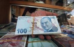 """قصة السقوط لم تقف عند انهيار العملة.. تركيا تغرق في """"فوضى الديون"""""""
