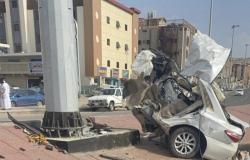 """مكة.. حادث مروِّع يشطر سيارة نصفين على """"طريق النكاسة"""" ويصيب قائدها"""