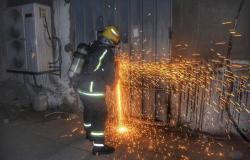 """""""مدني جدة"""" يباشر حريقاً في مستودع شحن بحي الفيحاء"""