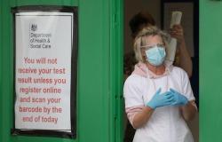"""رغم إنهاء الإغلاق العام .. 20 مليون بريطاني يخضعون لقيود """"كورونا"""""""