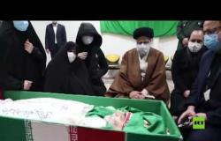 وصول جثمان العالم الإيراني محسن فخري زادة إلى مدينة مشهد لتشييعه داخل مرقد الإمام الرضا