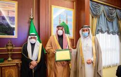 فيصل بن سلمان ووزير الصحة يستعرضان أهم المشروعات بالمدينة المنورة