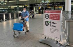 """بريطانيا تبحث تشديد القيود على السفر للحد من انتشار """"كورونا"""""""