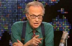 """وفاة """"لاري كينج"""" أشهر مذيع ومقدم برامج في الولايات المتحدة بفيروس كورونا"""