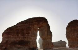"""بالفيديو.. """"أبو الهول والفيل والجمل"""" أشكال صخرية مذهلة تزين جبال السعودية"""