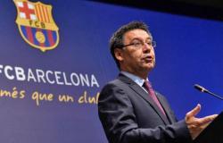 """فضيحة """"بارساجات"""".. القبض على رئيس برشلونة السابق وبعض أفراد إدارته"""