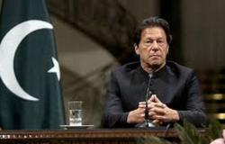 """وسط اشتباكات بين مؤيدي الحكومة ومعارضيها.. """"خان"""" يفوز بثقة البرلمان الباكستاني"""