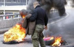 """قطع طرق بعموم لبنان في """"اثنين الغضب"""" (شاهد)"""