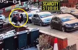 شاهد ما فعله لصوص بريطانيون حين علموا أنهم سرقوا أموال مسجد