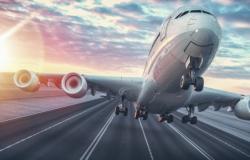 """الطيران المدني يلزم الشركات بـ""""توكلنا"""" لإصدارالتذاكر وبطاقات الصعود"""
