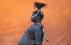 """أغرب القبائل: بالصور.. """"الكونسو"""" الإفريقية يحكمها صاحب أكبر """"كرش"""".. وتزيِّن أراضيها ناطحات نيويورك العجيبة"""