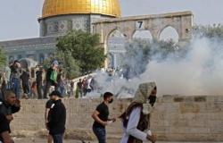 قوات الاحتلال تقتحم المسجد الأقصى وتعتدي على المعتكفين