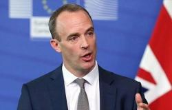 وزير الخارجية البريطاني يتهم الحوثيين بعرقلة السلام باليمن وتجنيد الأطفال للقتال