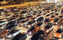 شاهد .. زحام السيارات على جسر الملك فهد مع ساعة الصفر لبدء السماح لسفر المواطنين للبحرين