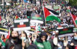 الآلاف يتظاهرون أمام مقر الحكومة البريطانية دعماً للفلسطينيين