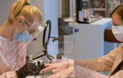 «أظافر كوفيد».. 3 علامات بالأظافر تقدم مؤشرًا مرئيًا للإصابة بفيروس كورونا
