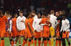 يورو 2020: دومفريس يواصل التألق والصدارة للطواحين بشكل رسمي