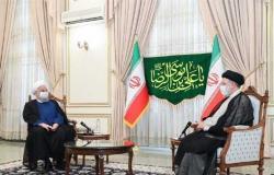 روحاني يزور الرئيس الإيراني المنتخب لتهنئته بالفوز