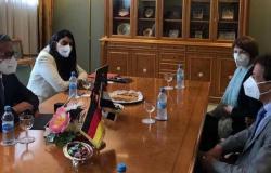 وزير السياحة يلتقي مسؤولي معهد روبرت كوخ المعني بالصحة العامة في ألمانيا
