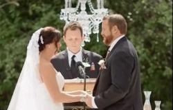 زوج يصفع زوجته أثناء حفل الزفاف (فيديو)