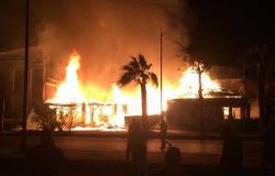 حريق في مطعم نيلي بالجيزة.. و«الحماية المدنية» تحاول السيطرة على النيران